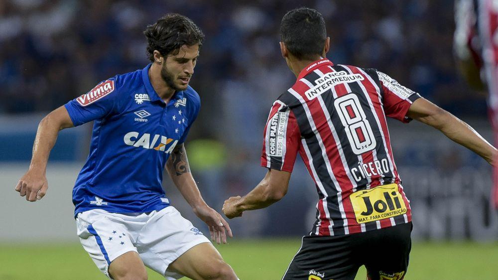 Hudson critica início do Cruzeiro, mas celebra classificação