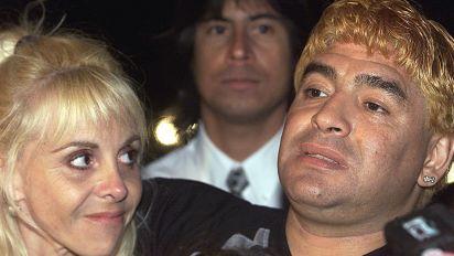 La pelea entre Maradona y su exmujer Claudia Villafañe se pone peor; parece de telenovela