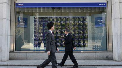 Stocks rise on renewed trade hopes
