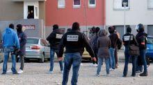Attaques dans l'Aude : des journalistes agressés dans la cité de Carcassonne où vivait Radouane Lakdim
