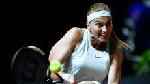 Kvitova comes from behind to reach Stuttgart semis