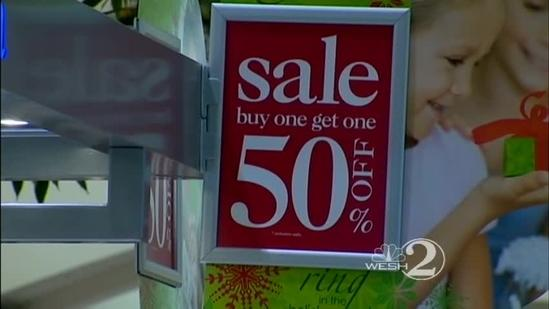 Holiday shopping blitz enters final hours