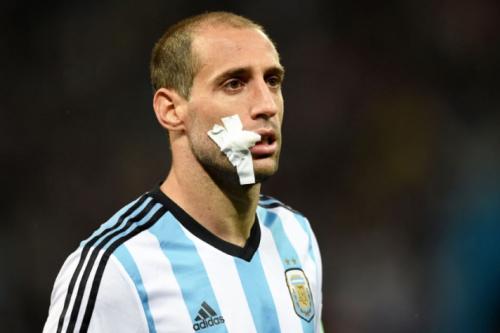Zabaleta é cortado da seleção argentina; Dybala será avaliado