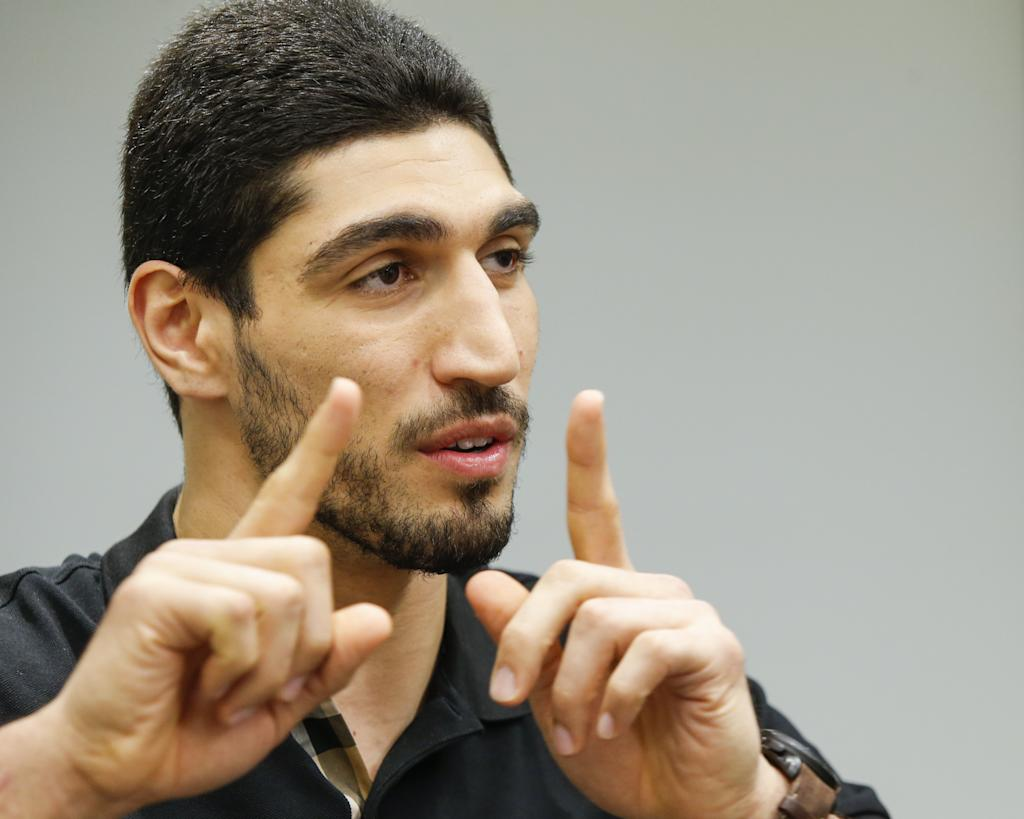 Basketball - Turkish court releases NBA player's father - report
