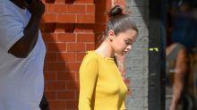 Selena Gómez se pasea sin brasier en Nueva York y tachan su look de atrevido