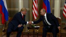 """Cumbre de Helsinki: Putin niega interferencia en EEUU, y Trump dice que la investigación de la trama rusa """"es un desastre"""" para su país"""