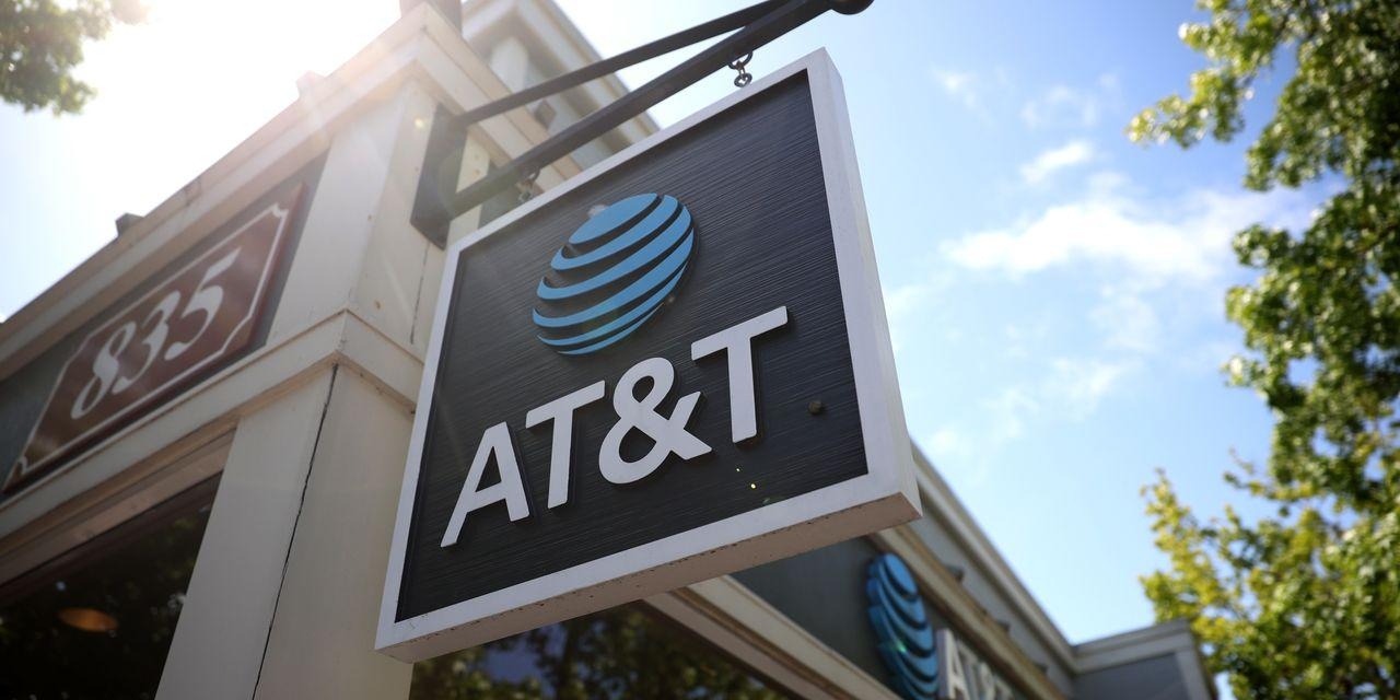 AT&T Is Delivering on Earnings. Investors Won't Give the Stock Much Credit.