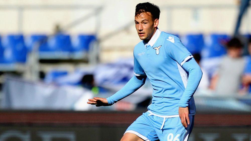 Calciomercato, la Lazio guarda al futuro: il giovane Murgia rinnova fino al 2022
