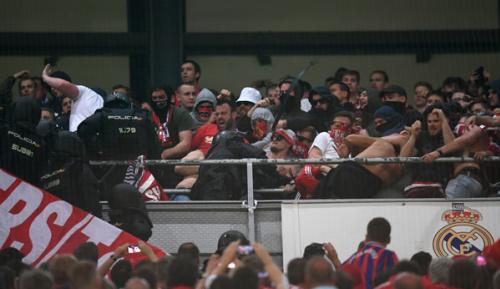 Champions League: Polizeieinsatz im Gäste-Block: Bayern wendet sich an Bundesregierung