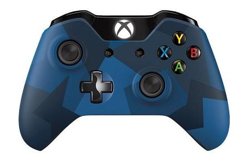 Xbox One 'Midnight Forces' controller bolts from the blue