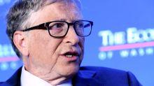 Bill Gates envía un paquete de 36 kilos lleno de regalos a su amiga secreta