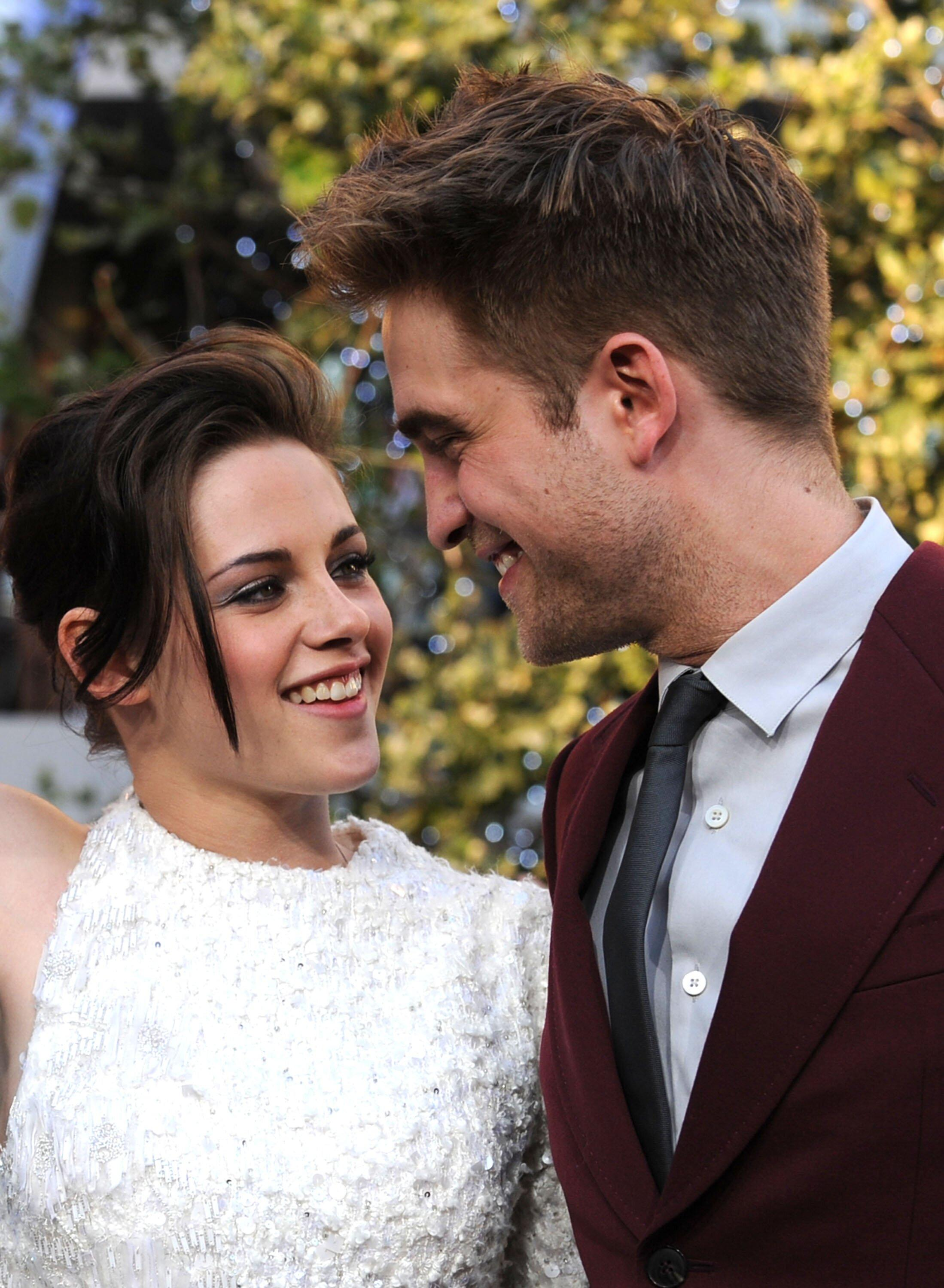"""Kristen Stewart Called the Tabloid Attention on Her Relationship with Robert Pattinson """"Gross"""" - Yahoo Lifestyle"""