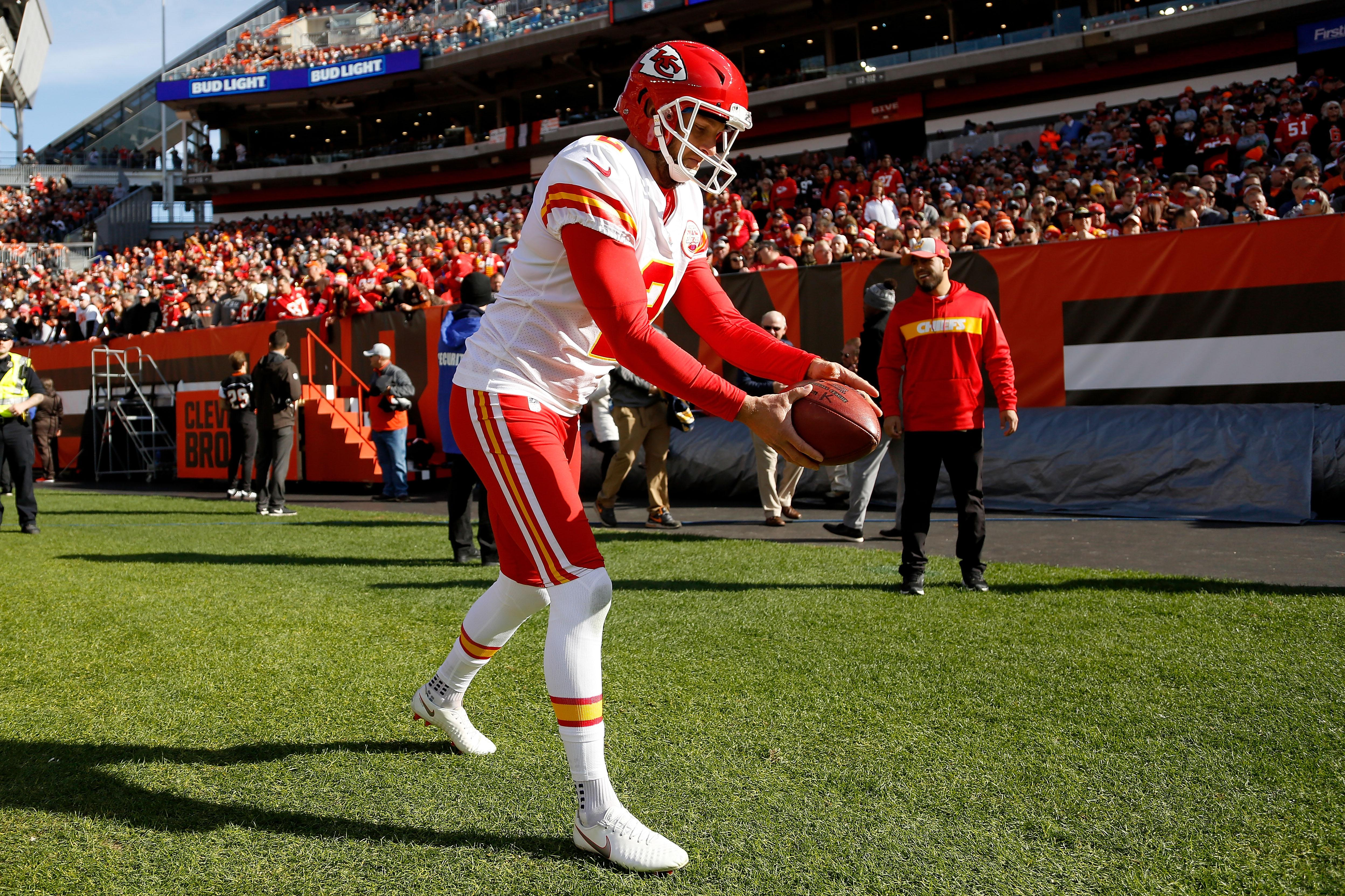 a54908f2 Dustin Colquitt thanks Patrick Mahomes for letting him punt