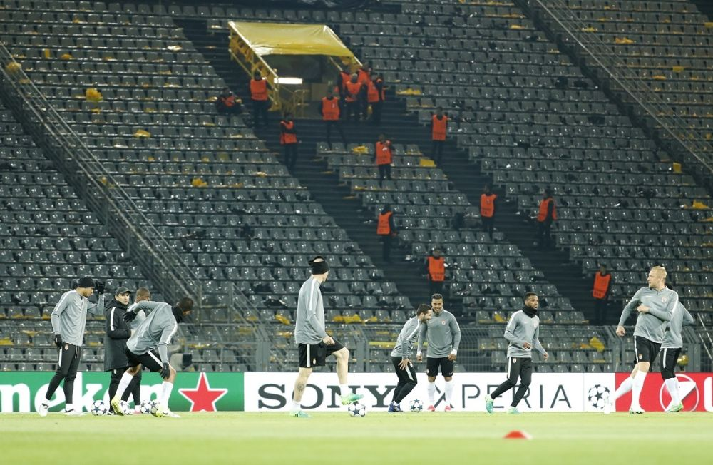 Explosions à Dortmund: les joueurs de Monaco à l'entraînement au stade
