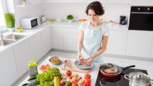 Menu Hari Ini: Tumis Udang Brokoli, Soto Daging Madura dan Ayam Bekakak