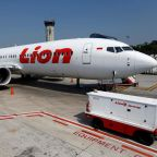 Lion Air crash: Boeing pilots had '40 seconds to fix error' in simulation of deadly flight