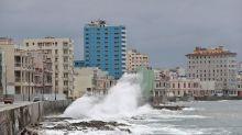 La tormenta Laura azota Cuba antes del amenazante rumbo a EE.UU. como huracán