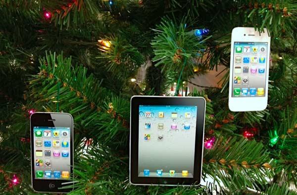Looking for tech gift ideas this season? Gazelle's latest survey can give you some hints.