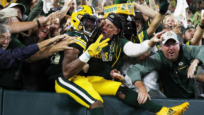 Aaron Jones finds the end zone 4 times in Packers rout of Lions
