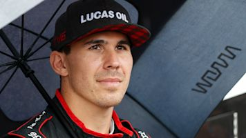 Recovering Wickens shows his chivalrous side