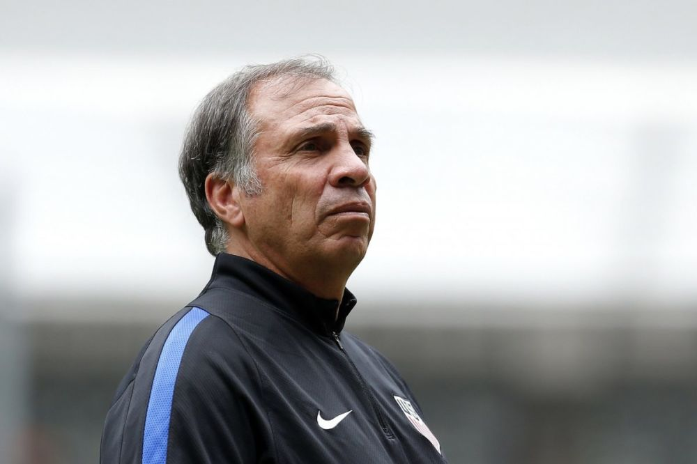 U.S. men's national team head coach Bruce Arena expressed his respect and appreciation for Mexico, its citizens and Mexican Americans. (EFE)