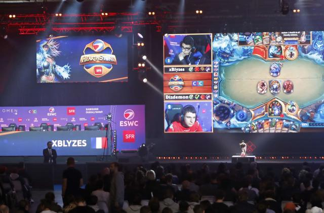 Blizzard halves 'Hearthstone' pro's suspension over Hong Kong protest