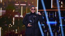 Premios Lo Nuestro: la fiesta donde el talento ya no importa, solo los looks de la alfombra