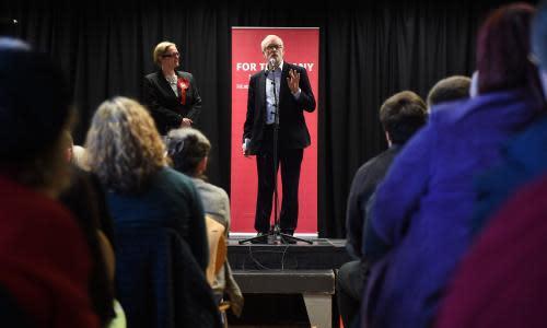 Andrew Sparrow's election briefing: Labour's broadband pledge dominates