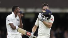 More Lord's honors for Woakes as England dominates India