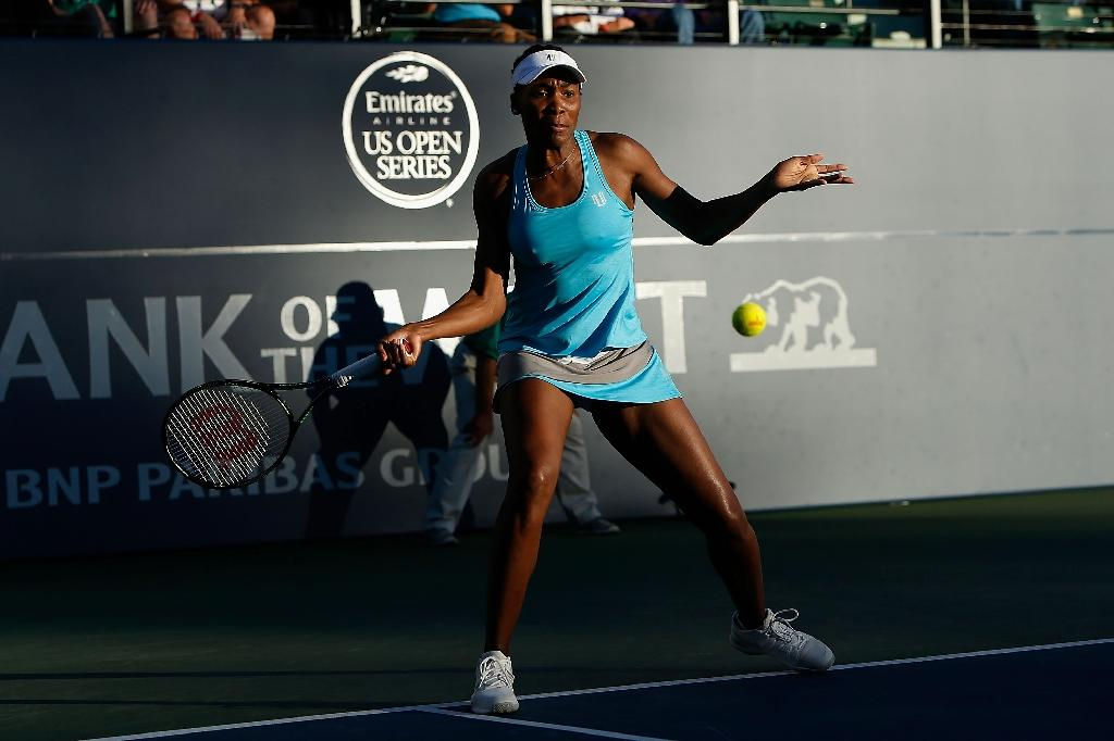 Venus Williams of the US competes against compatriot CiCi Bellis during their Bank of the West Classic quarter-final match, at the Stanford University Taube Family Tennis Stadium in California, on July 22, 2016 (AFP Photo/Lachlan Cunningham)