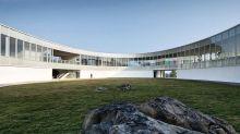 猶如藝術品般的LAB藝術博物館 打造出建築與自然的和諧統一