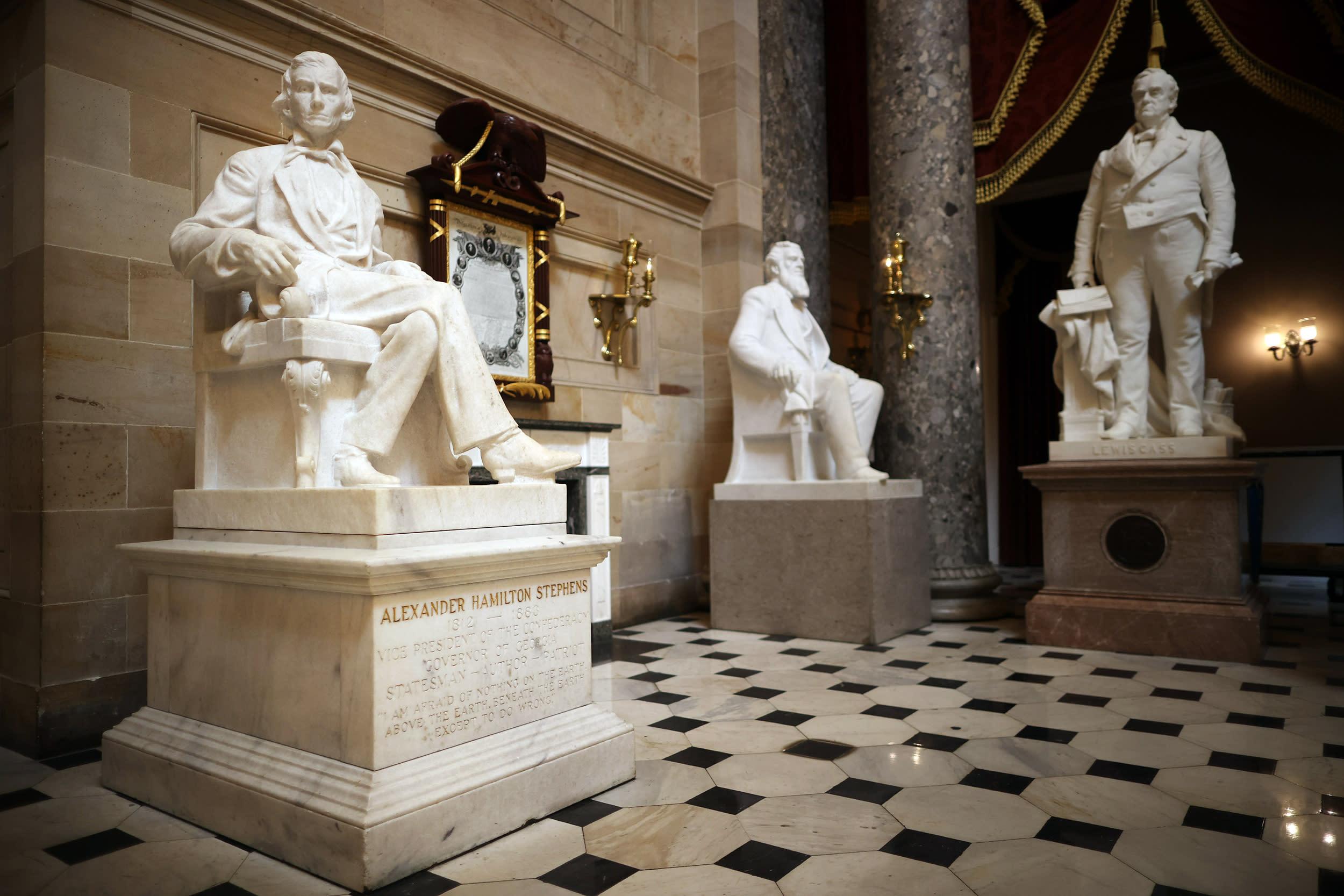 Democrats target memorials to Confederate leaders in government spending bills