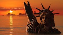 Warren Buffett touts the 'American tailwind' and trashes gold-touting preachers of doom