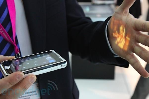 Samsung Show hands-on and video at MWC