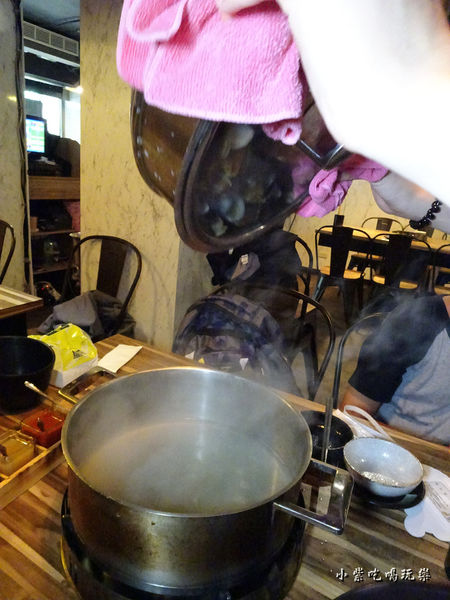 極蜆鍋物-蜆精.jpg