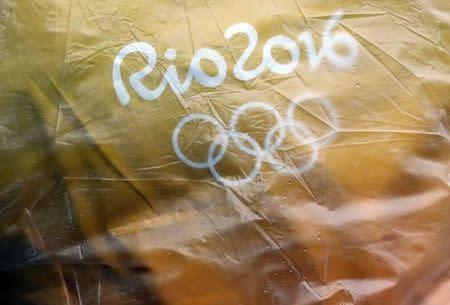 Logo da Rio 2016 visto no Parque Aquático Maria Lenk, no Rio de Janeiro