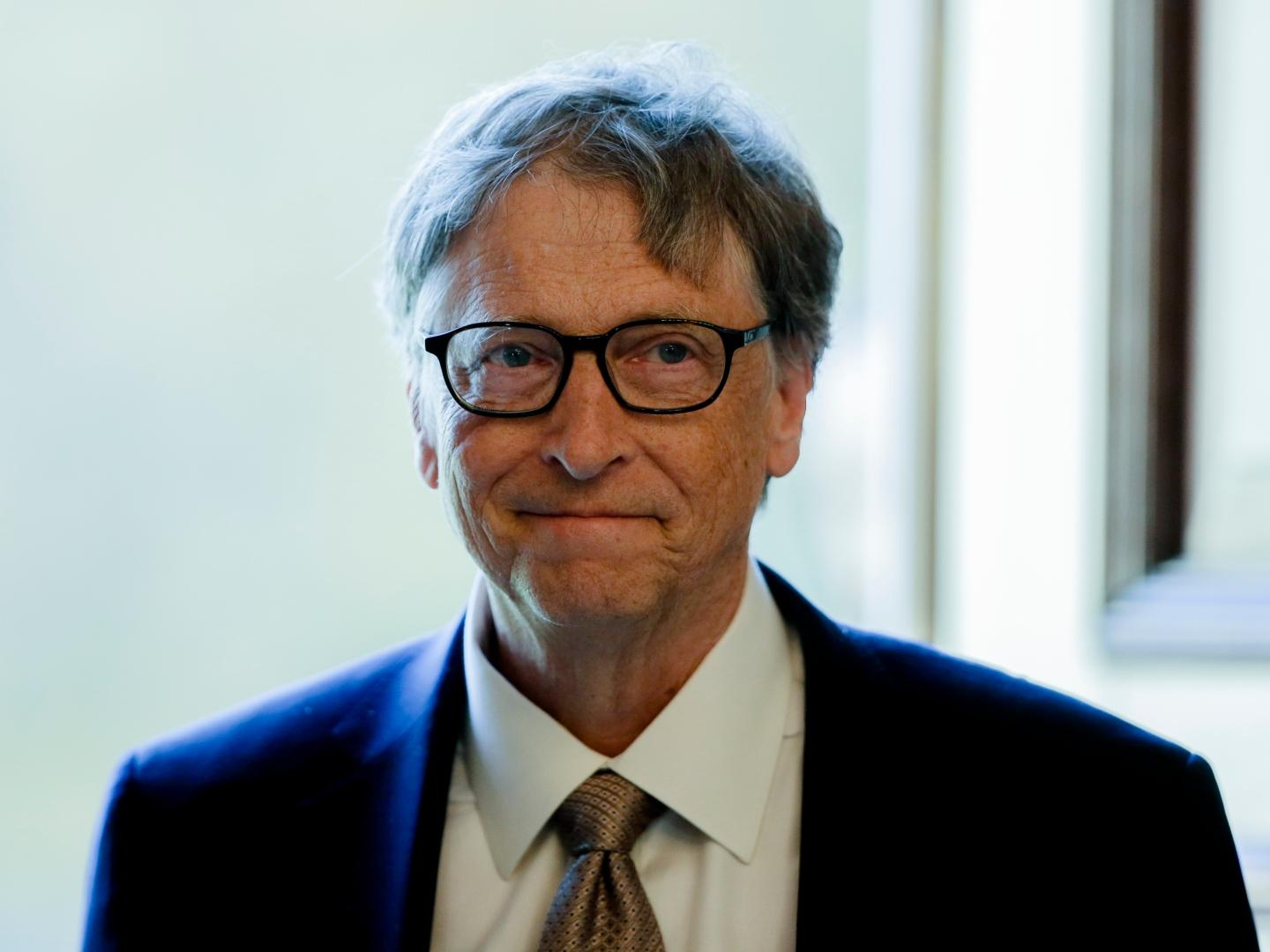 Photo of Bill Gates' Chinese Interpreter Is Being Accused of Breaking Up His Marriage With Melinda Gates