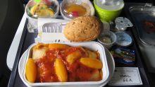 Este es el truco para disfrutar de la comida del avión