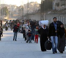 Death toll rises in Aleppo – 50,000 flee in four days