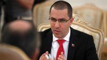 Canciller de Venezuela llega a Cuba para cónclave de la Alianza Bolivariana