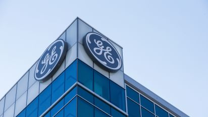 Advent to buy GE's industrial-engines unit
