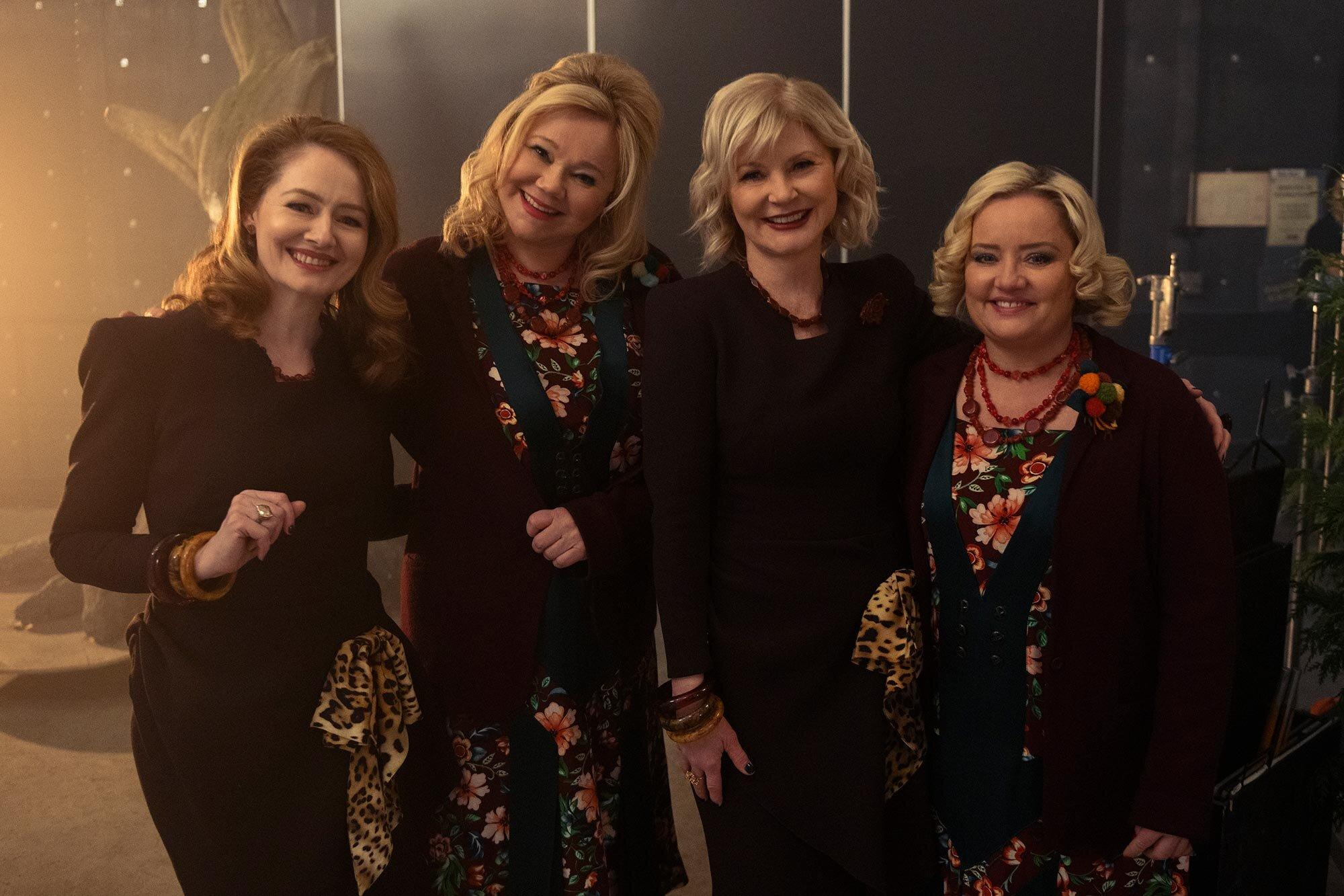 Surprise Watch Sabrina The Teenage Witch S Hilda And Zelda Cameo On Chilling Adventures Of Sabrina
