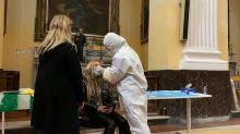"""""""Tests Covid-19 suspendus"""" : quand la solidarité vient renforcer le système de santé en Italie"""