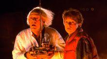 Michael J. Fox y Christopher Lloyd se reencuentran por una causa benéfica 35 años después de 'Regreso al futuro'