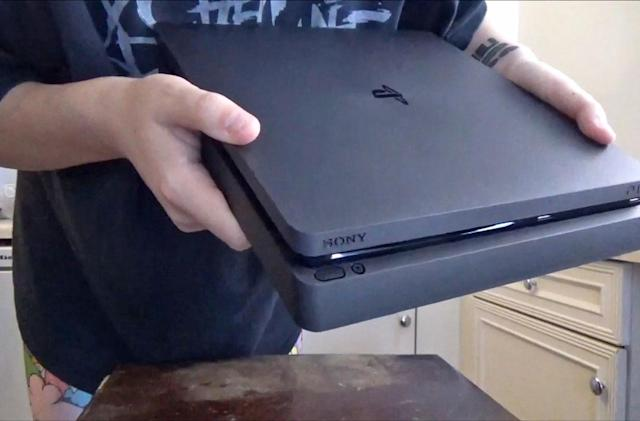 Alleged PS4 Slim leak reveals incremental changes to console