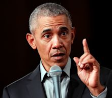 Obama Warns Contenders About Leaning Too Far Left