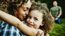 No les dejes las migajas: esto es lo que necesitas para conectar con tus hijos y darles una crianza placentera