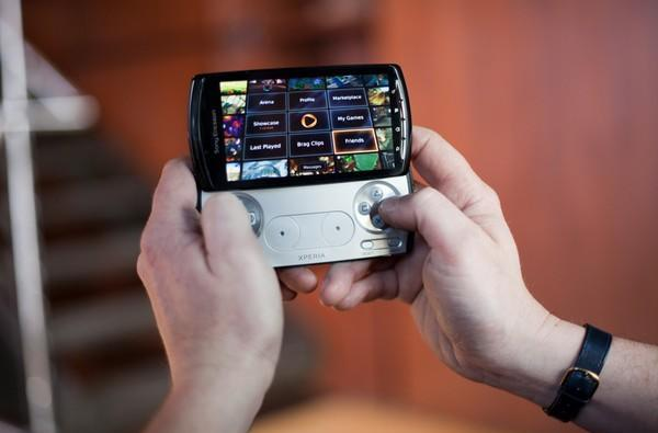 OnLive now fully supports the Xperia Play, virtual thumbsticks and external controllers need not apply