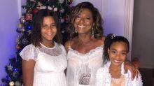 """Após cirurgia delicada, Gloria Maria celebra a vida em foto com as filhas: """"Renascendo"""""""