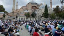 """""""La prochaine étape, c'est quoi ?"""" : à Istanbul, chrétiens et musulmans divisés après la reconversion de deux églises en mosquée"""